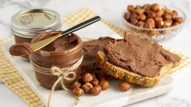 Healthy Vegan Nutella (4 Ingredients)